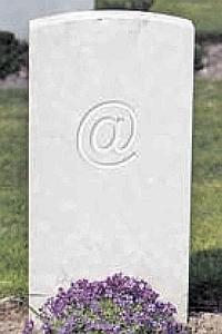 Des sociétés proposent, au décès du souscripteur, un service «d'instructions funéraires», avec des messages rédigés par avance et destinés aux proches. PHOTOMONTAGE/LE FIGARO.