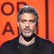 George Clooney, parrain du Téléthon, a signé un chèque d'un million de dollars.