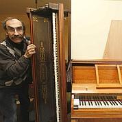 Philippe Jolly dans son atelier