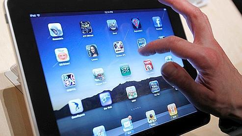 L'iPad, à mi-chemin entre un iPhone et un ordinateur portable MacBook, dévoilée mercredi dernier.