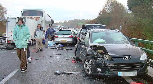 Le 20 décembre 2009 à Sames sur l'autoroute A64 reliant Bayonne à Toulouse, après un carambolage impliquant une quinzaine de véhicules dû à des pluies verglaçantes