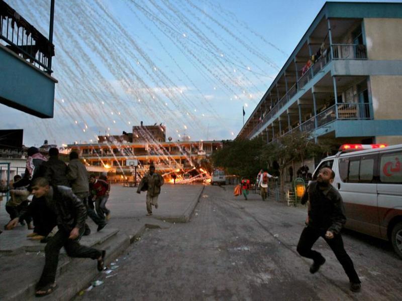 <b>SPOTS ACTUALITÉ PRESSE MAGAZINE -</b> Le troisième prix a été décerné au photographe palestinien Mohamed Abed, également de l'AFP, pour son reportage sur l'offensive israélienne à Gaza en janvier 2009.