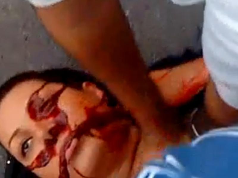 <b>MENTION SPECIALE </b>à une image tirée de la vidéo <a href=''http://www.youtube.com/watch?v=d90bwM4No_M'' target=''_blank''>Youtube, </a> montrant Neda Agha-Soltan, l'étudiante de 26 ans tuée en pleine rue à Téhéran lors des manifestations de juin 2009. Le jury a estimé que le cliché ''avait joué un rôle essentiel dans la couverture médiatique de l'année dans le monde et n'aurait pas pu être pris par un photographe professionnel''.