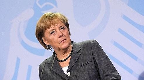 Grèce : Merkel tire à boulets rouges sur les banques