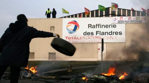La pénurie menace, le patron de Total convoqué à Bercy