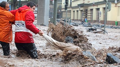 Selon l'Institut météorologique portugais, les conditions météorologiques devraient connaître une accalmie.