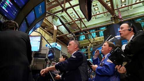 Wall Street sur la réserve dans un marché calme