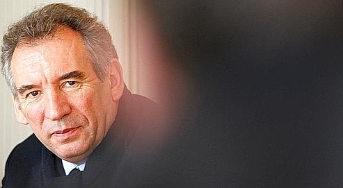 Bayrou exclut tout accord avec l'UMP au second tour