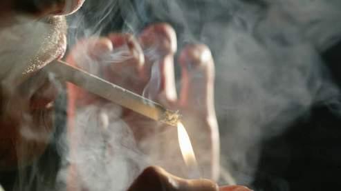 Barack Obama relance la lutte contre l'industrie du tabac