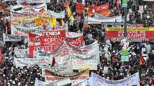 Grèce : Près de 40.000 manifestants contre la rigueur