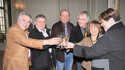 Jean Bernard, Mr Becary, Alain Boinot, Michel Pinçon et Monique Pinçon-Charlot et Mme Becary, mardi à Paris.