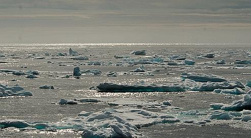 Ces trois dernières années, et surtout en 2007, la calotte glaciaire a atteint ses superficies les plus basses jamais observées.
