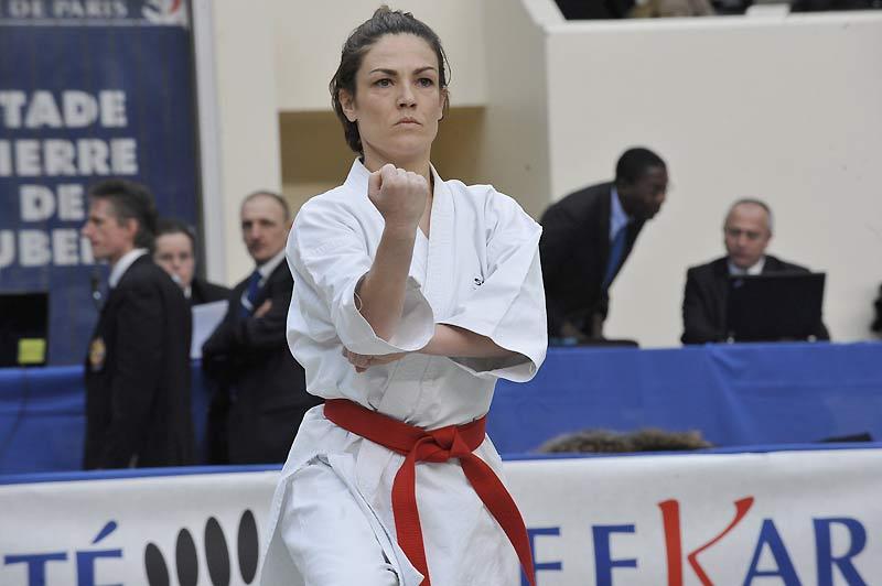 Chantal Jouanno, secrétaire d'État à l'Écologie a remporté, dimanche 7 mars, un nouveau titre de championnat de France de karaté kata par équipes.