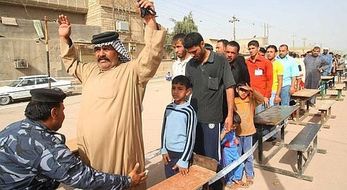 Les Irakiens choisissent les urnes, malgré les bombes