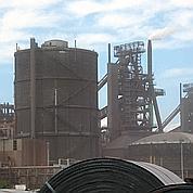 ArcelorMittal discute avec un aciériste indien