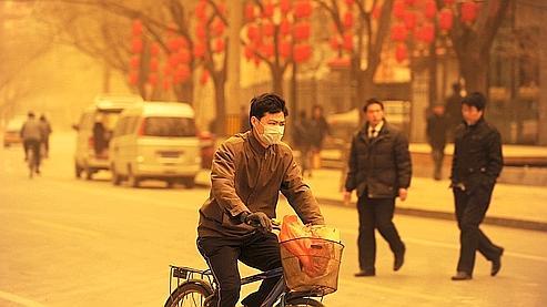 Pékin se trouve à seulement 800 km des espaces désertiques de la Mongolie intérieure.
