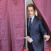Sarkozy maintient Fillon et va remanier