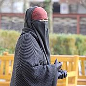 Burqa: interdiction enligne de mire