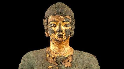Statue d'un roi archer, Tabo (Argo), IIe siècle av. J.-C., Khartoum, Soudan, Musée national.