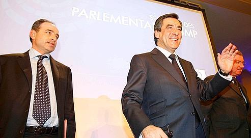 Les élus UMP font le choix de l'union derrière Sarkozy