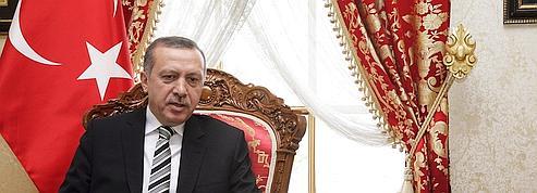 Erdogan: «Sarkozy doit venir voir la Turquie d'aujourd'hui»