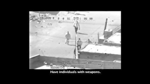 Les images, filmées à bord d'un hélicoptère, sont accompagnées de la bande son des conversations entre les pilotes et les contrôleurs au sol.