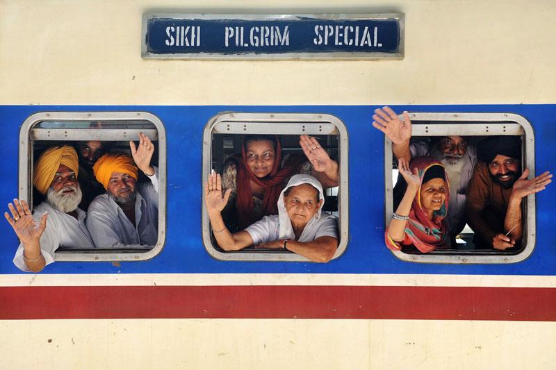 Dimanche 11 avril, ces sikhs indiens ont embarqué dans un train en direction de Amritsar pour participer aux festivités de Baisakhi à l'occasion la nouvelle année.