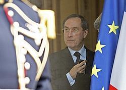 Claude Guéant, le secrétaire général de l'Élysée, le 7 avril dernier, sur les marches du palais présidentiel.