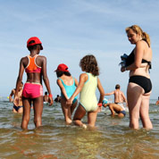 Chatel lance le débat sur les vacances d'été