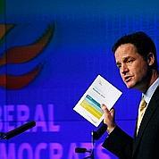 Nick Clegg tente de sortir de l'ombre