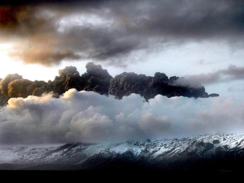 Grace a cet volcan, tout lEurope est paralysée!