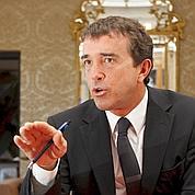 Arnaud Lagardère contre-attaque