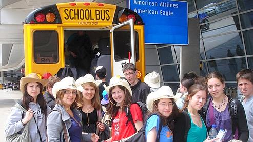 Les collégiens d'Alençon arrivent à l'aéroport de Dallas le 15 avril pour rentrer en France. A l'heure actuelle, ils sont encore aux Etats-Unis.