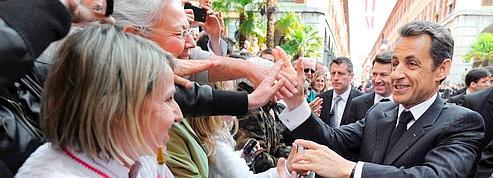 Sarkozy cherche à renouer le contact avec les Français