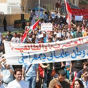 Le camp laïque tente une sortie au Liban
