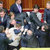 Scènes de chaos au Parlement ukrainien