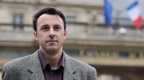 Jean-Hugues Matelly s'est déclaré «particulièrement heureux de cette décision» et «fier d'être un citoyen de la République française».