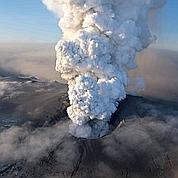 Le volcan islandais sous haute surveillance
