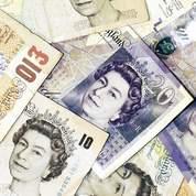 La Livre sterling subit le trouble politique