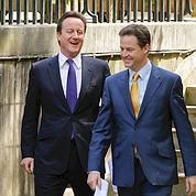 Nick Clegg et David Cameron sont apparus très à l'aise lors de leur conférence de presse commune, mercredi après-midi.