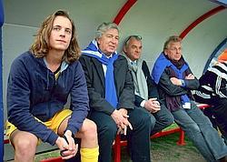 Avec Daniel Cohn- Bendit lors d'un match de gala : Pierre joue avec l'équipe des politiques contre le Variétés Club de France. Crédits photo : G.MÉRILLON/LE FIGARO MAGAZINE