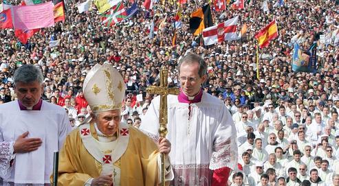Benoît XVI, mercredi, a appelé à retrouver la «ferveur des origines, de la joie du commencement de l'expérience chrétienne».