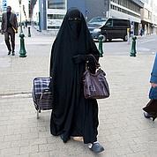Burqa: l' UMP ne cède pas au Conseil d'État