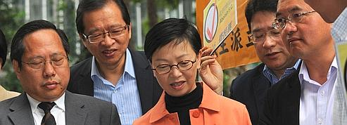 Les démocrates de Hongkong bousculent Pékin