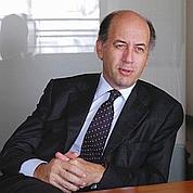 Serge Weinberg prend les commandes de Sanofi-Aventis
