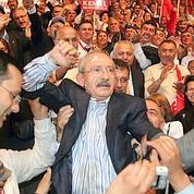 «Gandhi» élu à la tête de la gauche turque