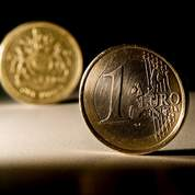 L'euro repasse sous 1,22 dollar