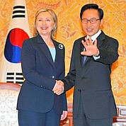 Hillary Clinton appelle à punir Pyongyang