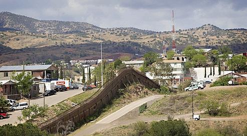frontière entre le mexique et les États-Unis à Nogales, en Arizona.