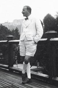 Depuis la terrasse de sa maison à Salzbourg (vers 1930).